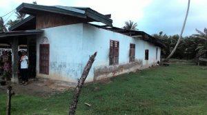 Rumah Aprizal Warga Kamp Solok Padi-padi Nagari Lakitan Utara (Pessel) Diterpa Puting Beliung