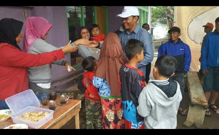 Wabup Zainal Bersama Korban Tanah Longsor Batuhampar.