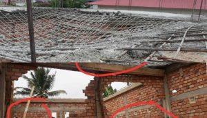 FOTO: Bangunan PAUD-TK Desa Sri Menanti, Koto Baru, Kota Sungaipenuh terlihat lantai 2 yang baru dicor Ambruk.Foto Ist.