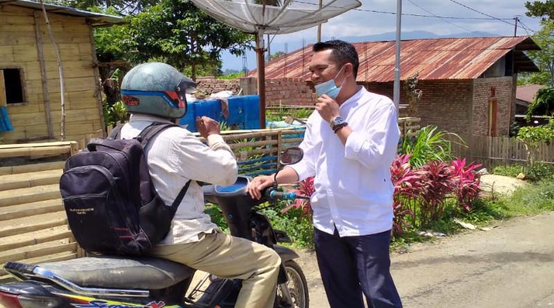 FOTO: Calon Wakil Walikota Sungaipenuh Antos Sapa Warga dan meninjau Kondisi Stadion Mini.